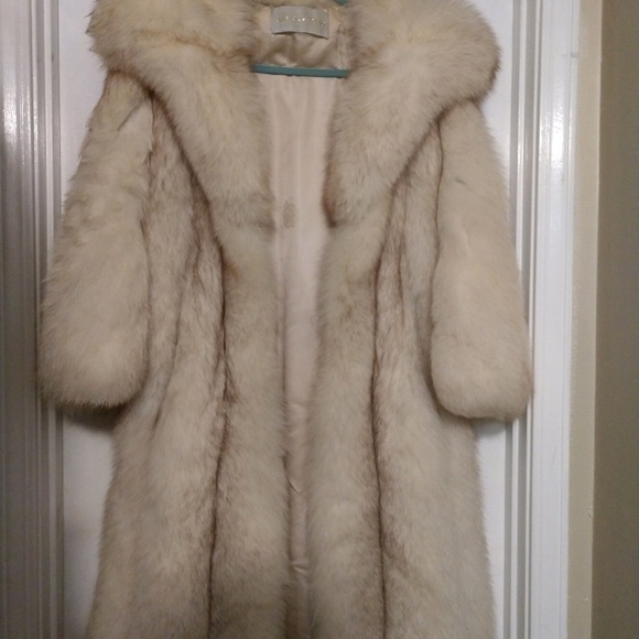 elegant in style fashion design good out x Vintage Blue fox fur coat